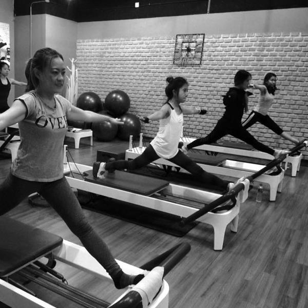 Pilates Private Class Bangkok: พิลาทิส อโศก อาคารอินเตอร์เชนจ BTS อโศก