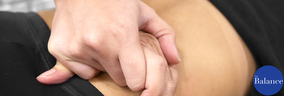 อาการปวดหลัง Back pain physiotherapy Bangkok